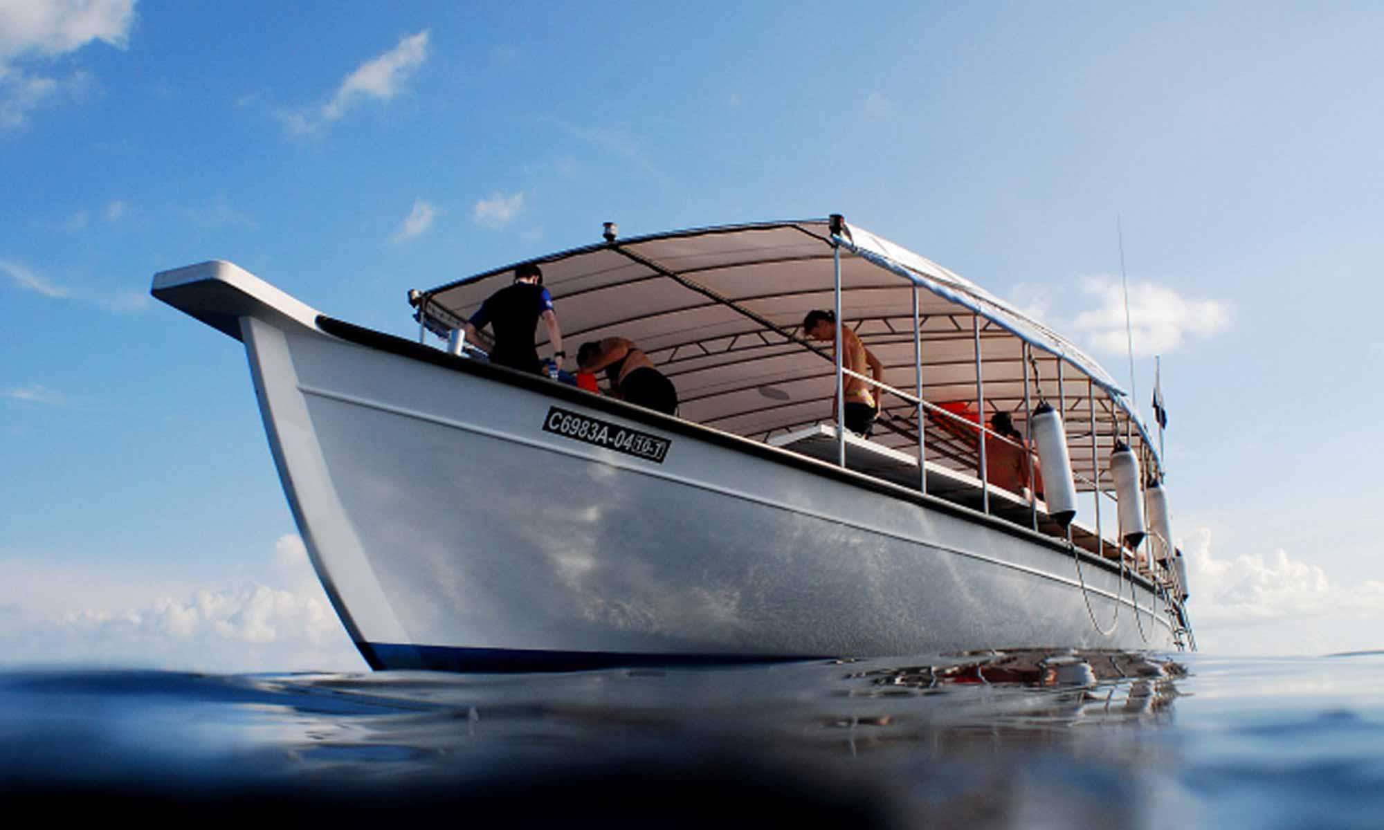 Slow Dive Indischer Ozean Malediven Euro Divers Kurumba Boot