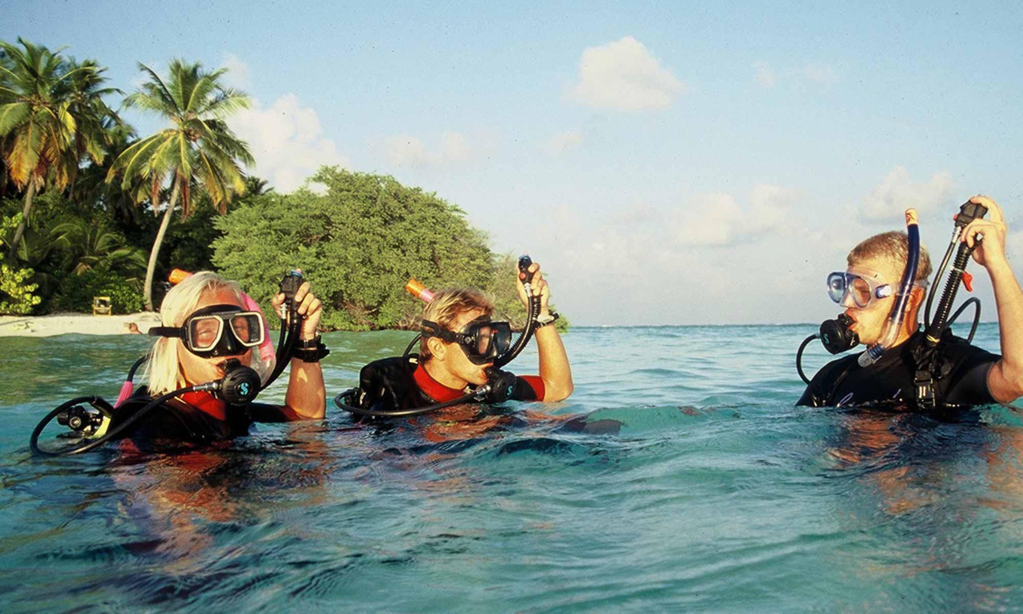 Slow Dive Indischer Ozean Malediven Euro Divers Vilamendhoo Abtauchen