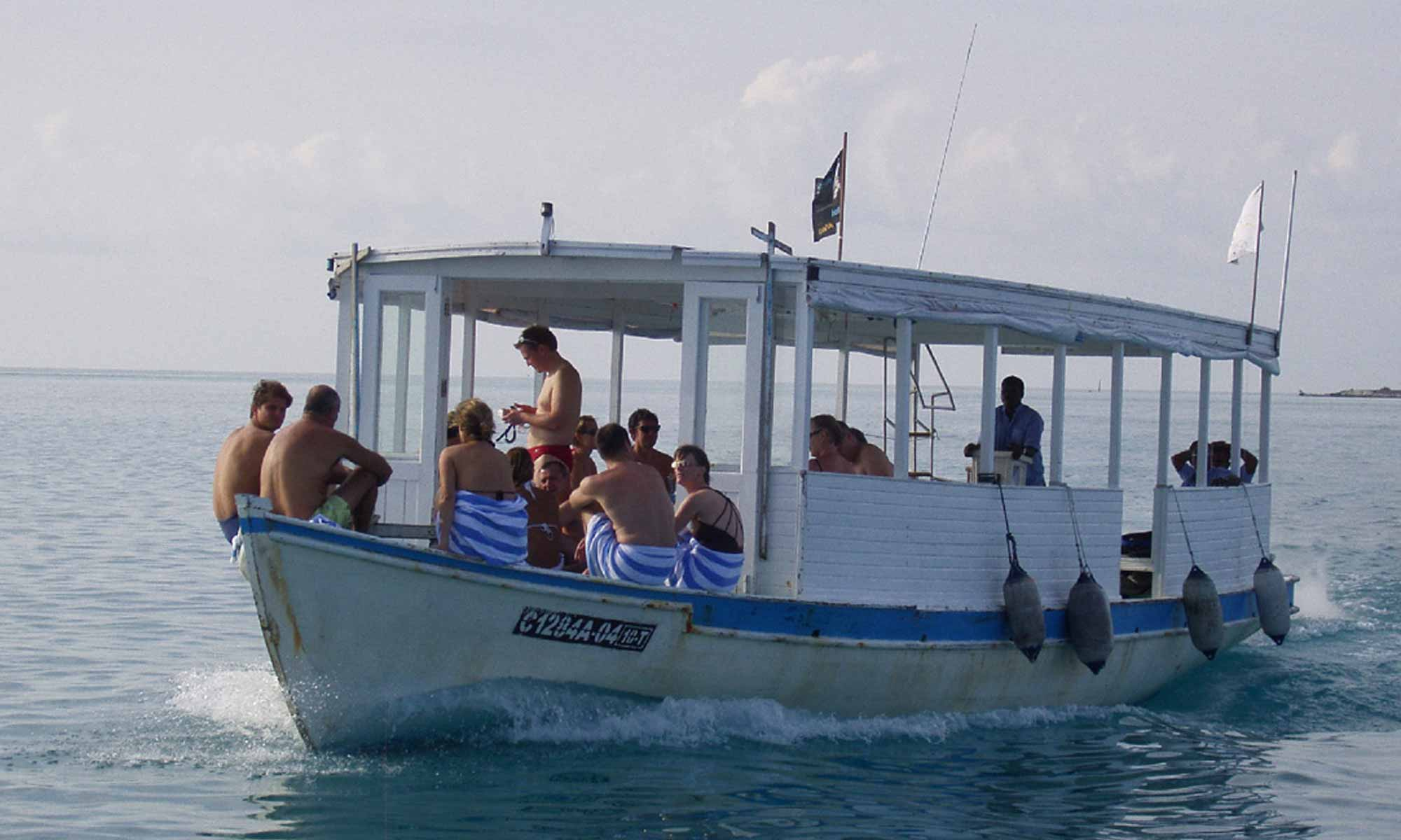 Slow Dive Indischer Ozean Malediven Werner Lau Boot