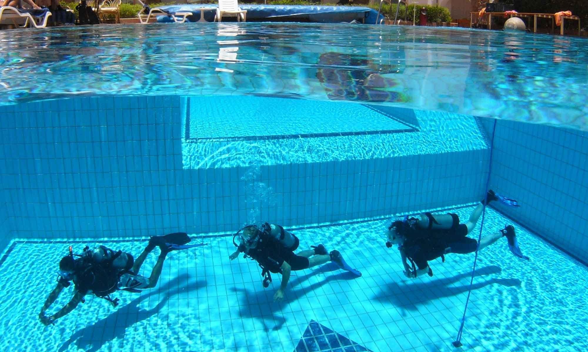 Slow Dive Rotes Meer Ägypten Camel Dive Club Tauchkurs Pool