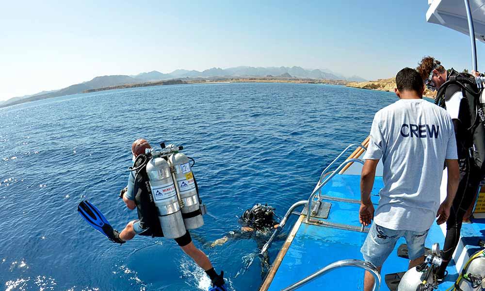 Slow Dive Tauchen lernen Camel Dive Boot