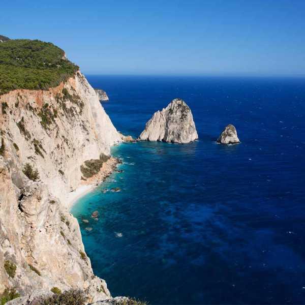 Slow Dive Angebote Griechenland Zakynthos Mizithres Felsen